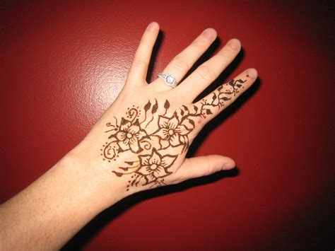 flower henna tattoo on hand henna images designs