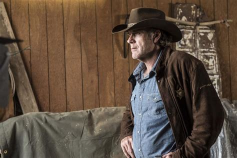 cowboy film netflix netflix picks up western crime drama longmire for season five