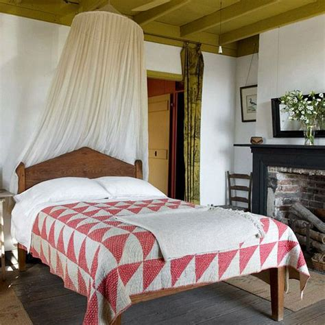 bedrooms with quilts 17 best images about country primitive bedrooms on