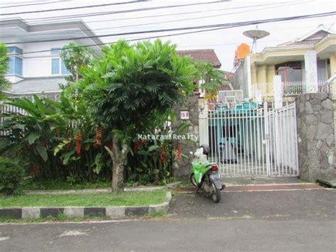 rumah kain di bandung indonesia rumah mewah dan asri di komplek elit setrasari bandung
