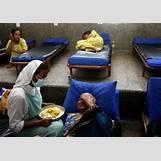 People Helping The Sick | 610 x 430 jpeg 69kB
