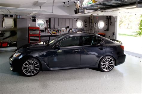 Car In Garage by Top 5 Reasons For Keeping Your Car In Your Garage Www