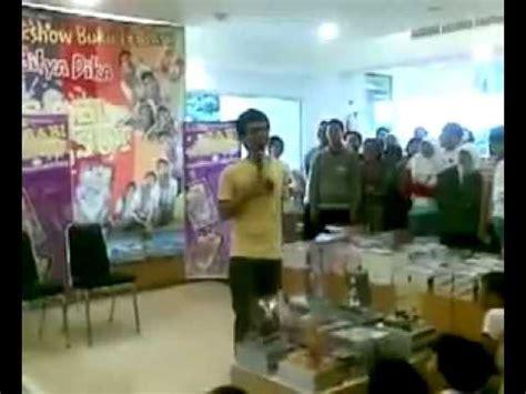film raditya dika babi ngesot talkshow raditya dika babi ngesot part 1 2 youtube