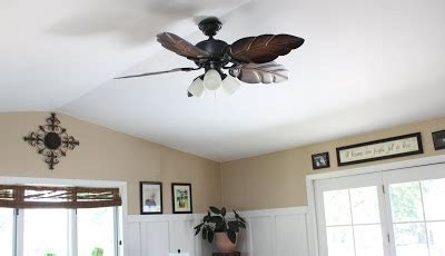 beachy looking ceiling fans superwoman beachy cottage bungalow living room remodel