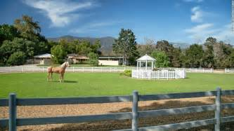 Farmhouse Ranch by Oprah Winfrey Buys 29m Equestrian Farm Cnn Com