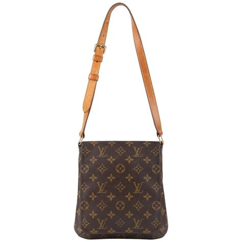 louis vuitton  monogram canvas musette salsa