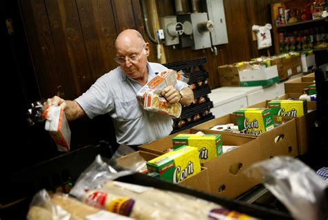 Food Pantry Springfield Il by Charity Pantries Struggle With High Food Costs News