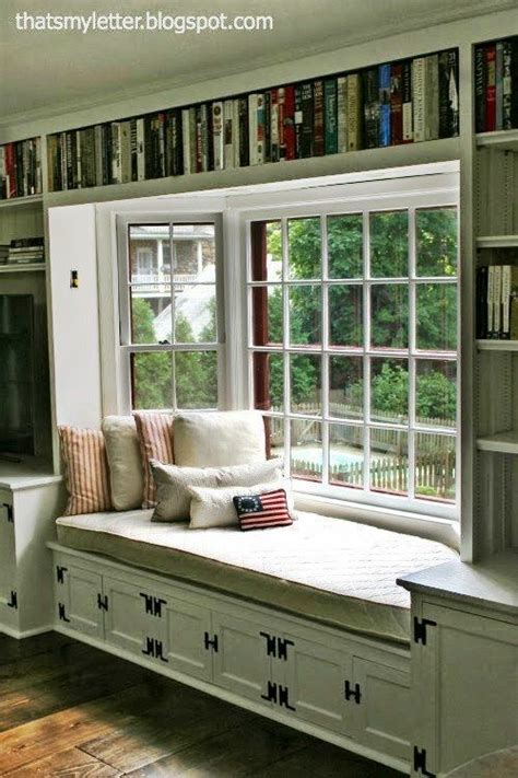 window reading nook 25 best ideas about bay windows on pinterest bay window