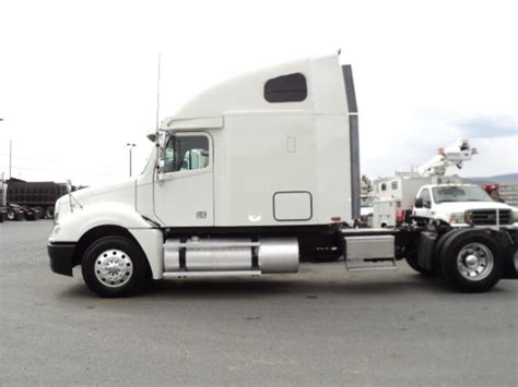 Single Axle Trucks With Sleeper For Sale by Freightliner Single Axle Sleeper For Sale 8622