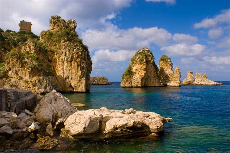 vacanze scopello meravigliosa scopello in sicilia tra faraglioni spiagge