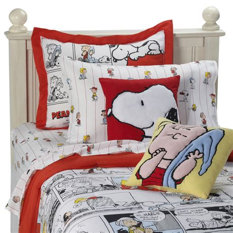 peanuts comic strip mini comforter set and accessories