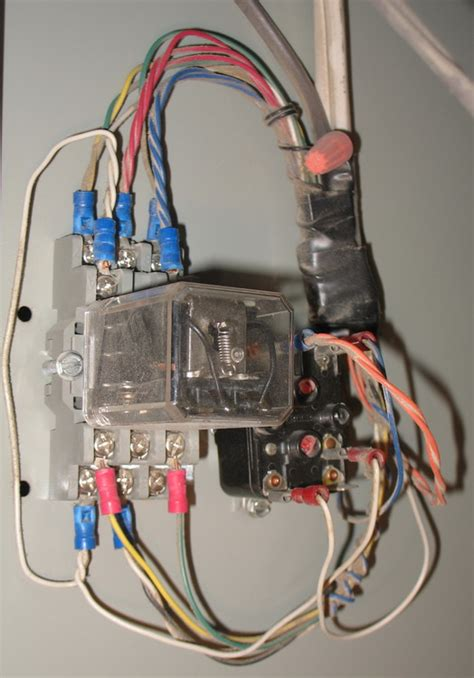 wiring thermostat honeywell 8320u to furnace heat