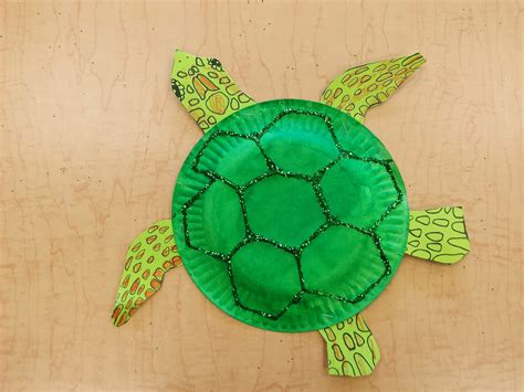 Paper Plate Turtle Craft - colors and kindergarten sea turtles and sea horses