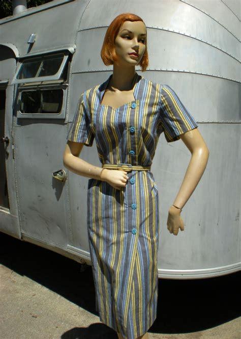 Vorish Dreaa vintage 1940s periwinkle striped house dress adorable