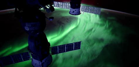 auroras from space pictures stunning auroras from the space station in ultra hd