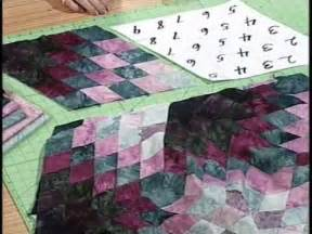 spinning diamonds quilt pattern with kaye wood