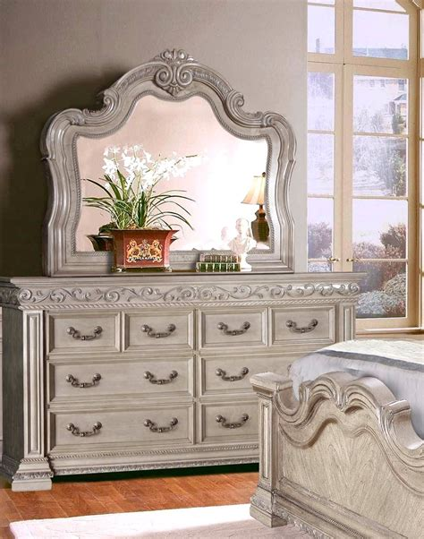 antique style 4 pc king bedroom set in antique