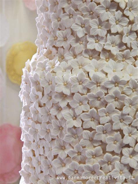 come fare i fiori con la pasta di zucchero idee per il matrimonio decorazioni e torte viste ad