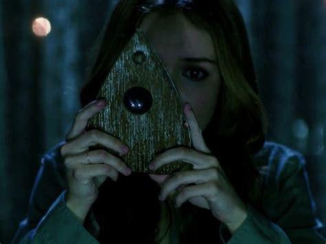 film ouija adalah ouija film supranatural gunakan papan mainan bertemu