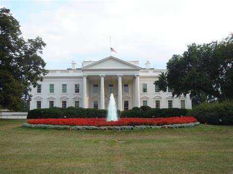 tour of the white house cameras now permitted on white house tours live and let
