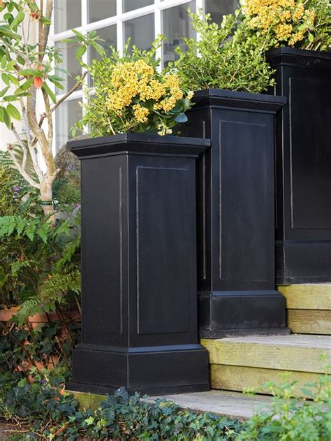 Black Planters Outdoor by Best 25 Black Planters Ideas On Planters Outdoor Pots And Planters And