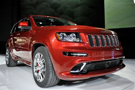 srt jeep 2011 nyias 2011 jeep grand cherokee srt8 live photos