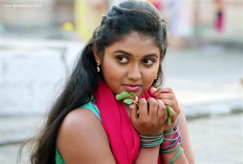 biography marathi movie rinku rajguru sairat movie actress photos biography images