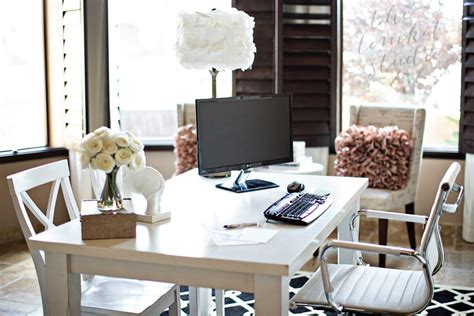 chic office decor sle post with threaded comments