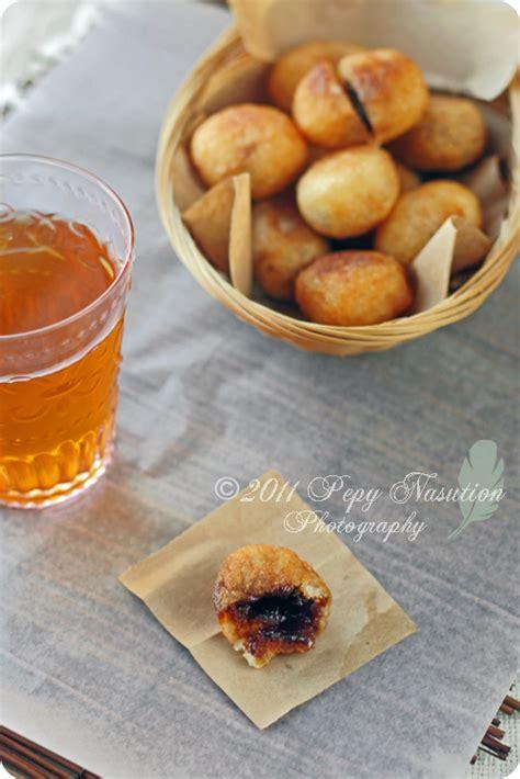 coco sugar indonesia indonesian cassava fritters stuffed with coconut sugar