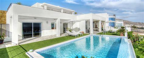 casa inmobiliaria malaga mundo hogar inmobiliaria en m 225 laga pisos casas y locales