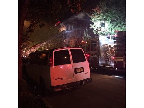 bed stuy fire bed stuy fire rips through family brownstone killing 1 and
