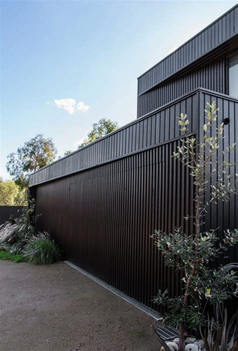 Bass Street Residence by B.E Architecture in Melbourne