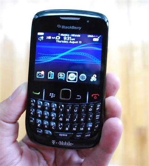 themes for blackberry rim curve 8520 blackberry curve 8520 one week later crackberry com