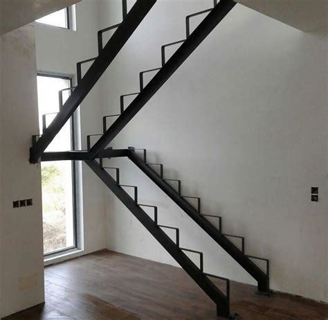 escaleras metalicas interiores estructura metalica para escalera madera