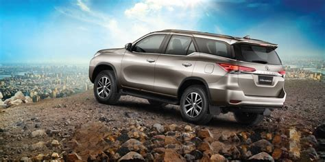Toyota Fortuner Price In India 2017 Toyota Fortuner Launched In India At Rs 25 92 Lakh