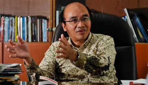 biography rocky gerung tempo ceo denies bribery allegation national tempo co