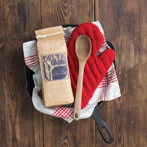 4 Ways To Gift 4 ways to gift a skillet southern cast iron