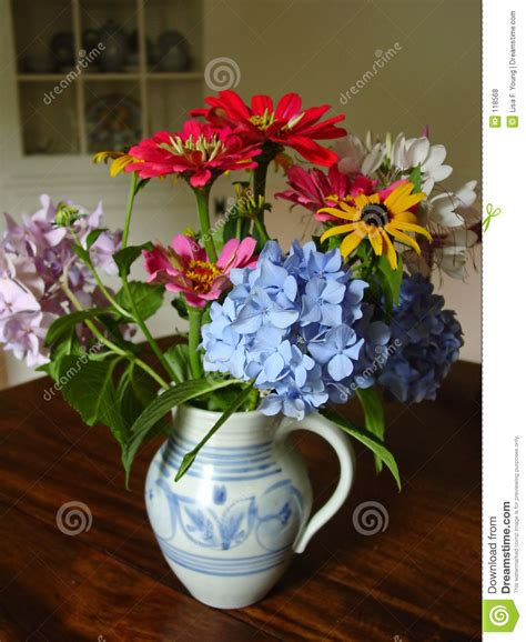 Antique Vase Of Flowers Royalty Free Stock Photos   Image: 118568