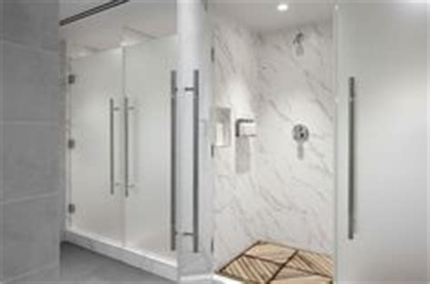 locker room shower stalls locker room showers bay club silicon valley cupertino ca www westernathleticclubs
