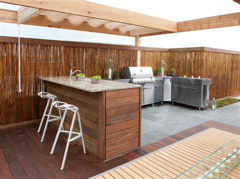 Deck Countertop by Kitchen Crashers Diy