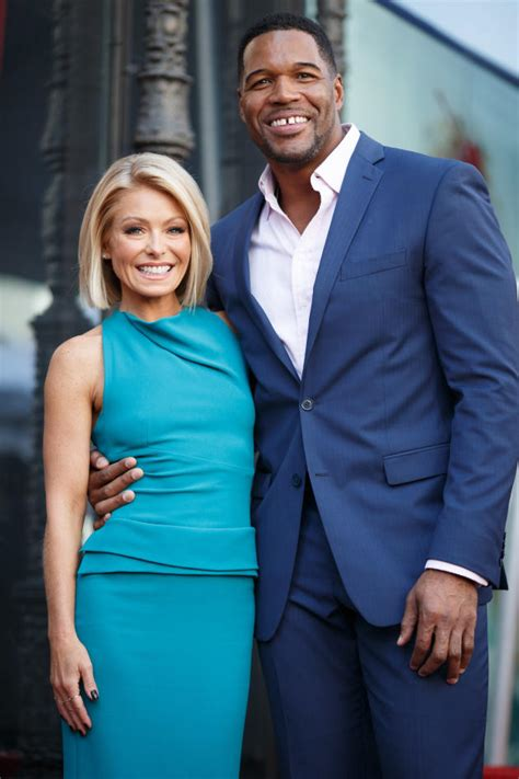 why does kelly ripa have so many hair styles andy cohen michael strahan is a moron for leaving live