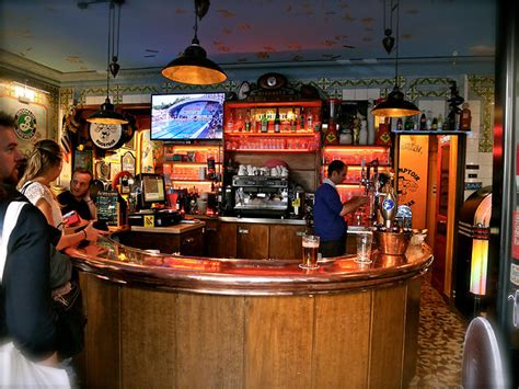 Bar Le Comptoir by The Best Sports Bars In Bars Pubs Time Out