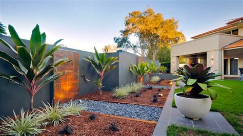 beautiful home landscaping decosee com house plans with beautiful landscapes youtube