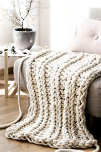 the giant oversized chunky knit throw blanket glitter