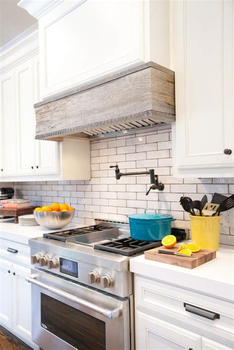 hoods kitchen cabinets 25 best custom range hood ideas on pinterest diy hood