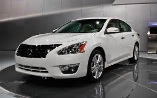 How Much Is A Nissan Altima 2013 2013 Nissan Altima Front Three Quarter Photo 3