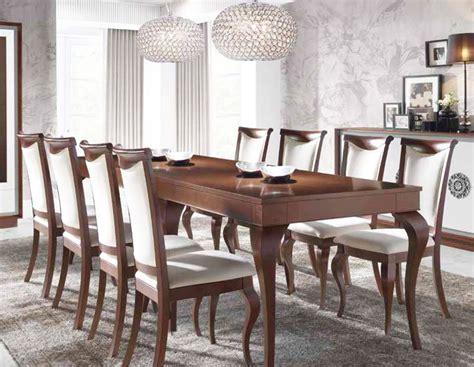 mesa de comedor larga   comensales  salones clasicos