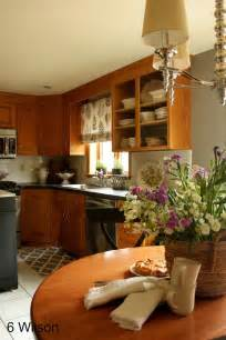 Honey Oak Kitchen Cabinets Wall Color by Colours That Look With Oak Cabinets Walls