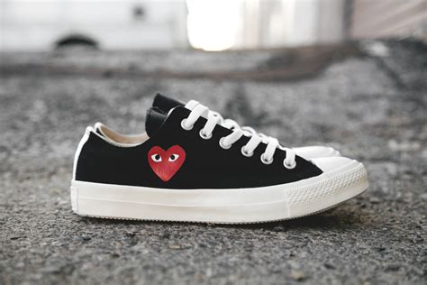 Kaos Cdg Converse Logo Kaos Cdg Converse Cdg Converse comme des gar 231 ons play x converse chuck all low sneakernews