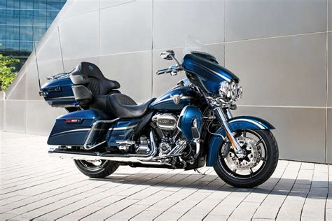 harley davidson presents  touring machines